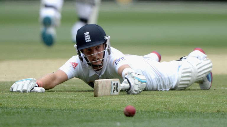 Joe Root: England must make decision, says Martyn Moxon