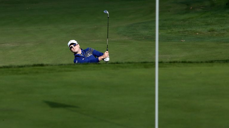 Zach Johnson: Holds a one-shot lead at the Sherwood Country Club