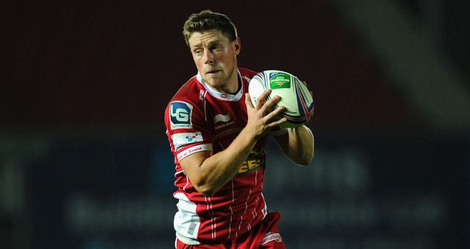 Rhys Priestland: Staying with the Scarlets