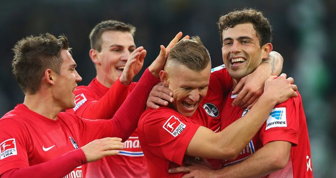 Freiburg celebrate one of Mehmedi's goals
