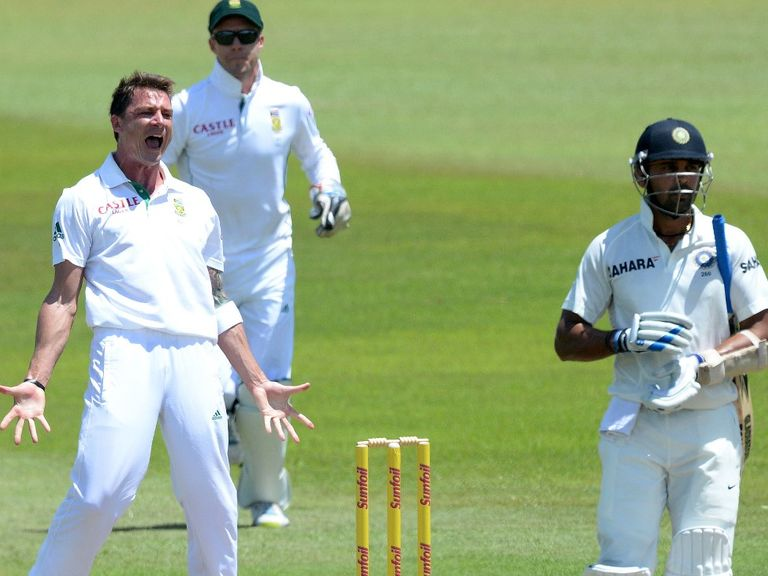 Dale Steyn celebrates taking the wicket of Murali Vijay