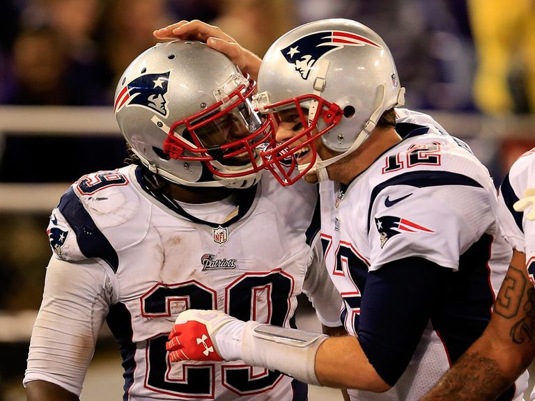 LeGarrette Blount is congratulated by Tom Brady after a Pats TD