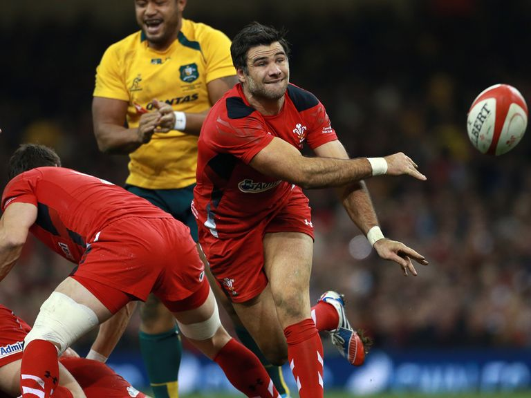 Mike Phillips: Has joined Racing Metro