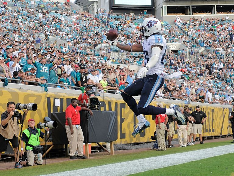 Nate Washington celebrates for the Titans