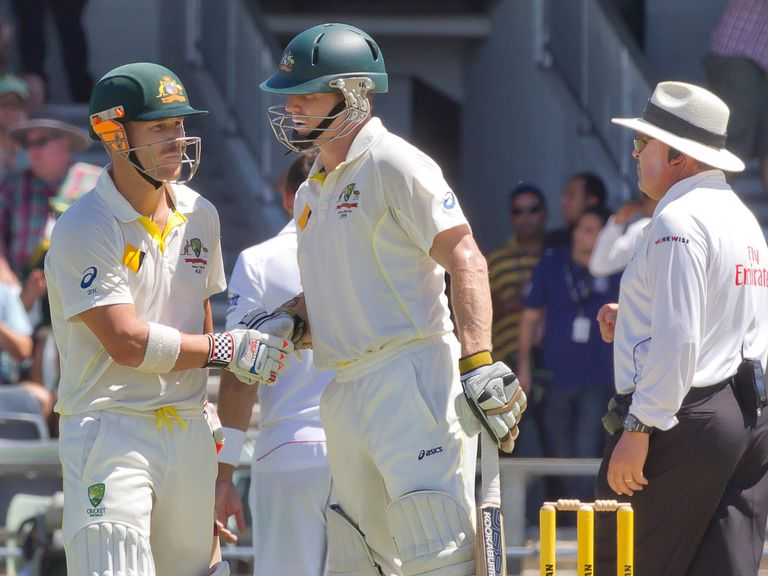 Warner and Rogers: 157-run stand on day three in Perth