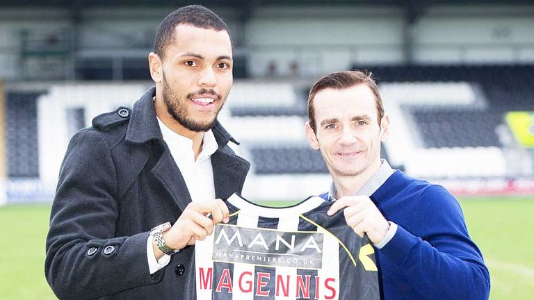 Josh Magennis (left) with St Mirren boss Danny Lennon