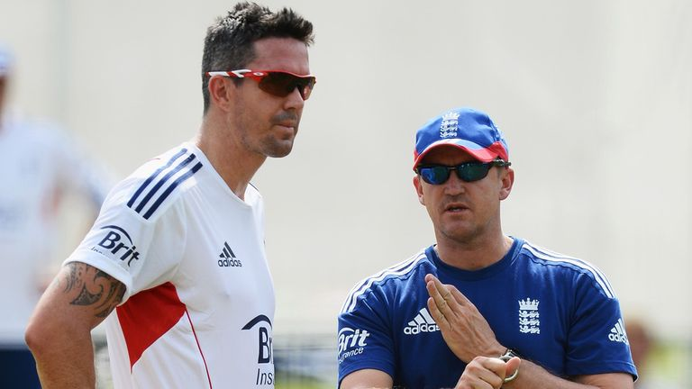 Kevin Pietersen (L) and Andy Flower: Reports suggest the two do not see eye-to-eye
