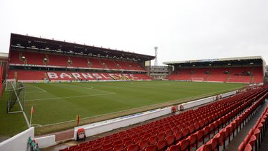 Oakwell: Barnsley release 14 players