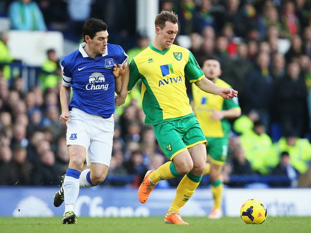 Gareth Barry opened the scoring for Everton