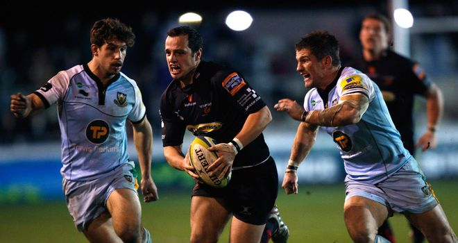 Dan Evans has agreed a three-year contract with the Ospreys.