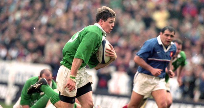 Brian O'Driscoll scores one of his hat-trick of tries in 2000