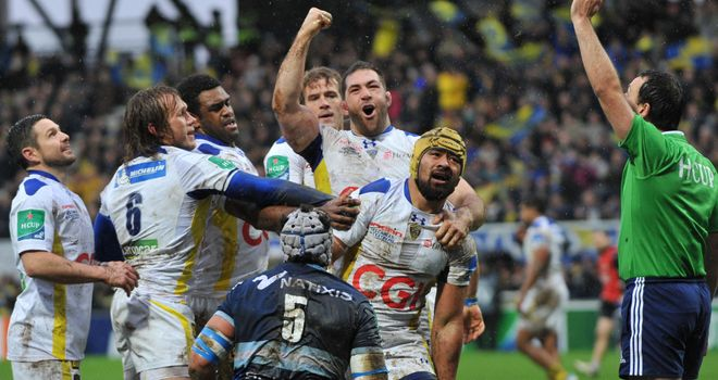 Fritz Lee celebrates Clermont's first try