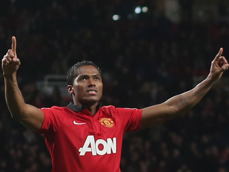 Antonio Valencia: Signs a new three-year deal