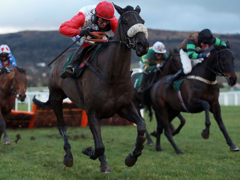 Big Buck's can't hold off Knockara Beau at Cheltenham
