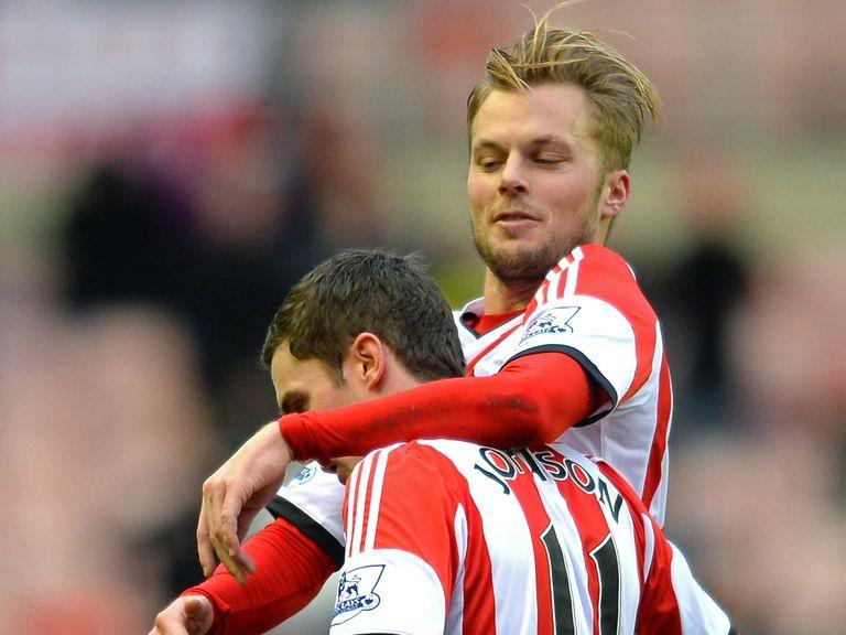 Sebastian Larsson: Sunderland stay extended