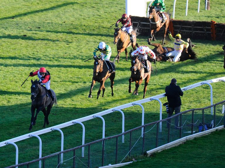 Saphir Du Rheu goes clear to win the Lanzarote