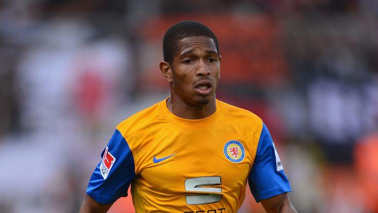 Simeon Jackson: Joins from Eintracht Braunschweig