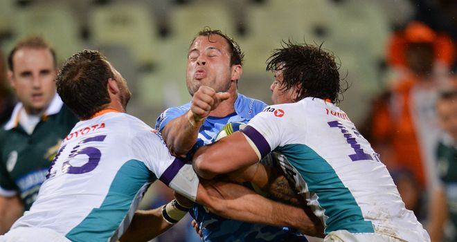 Francois Hougaard is shut down by the Cheetahs defence