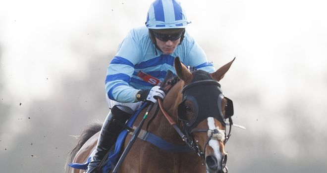 Kayf Moss on his way to winning at Fontwell