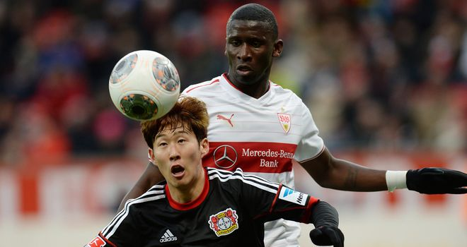 Heung Min Son holds off Antonio Ruediger
