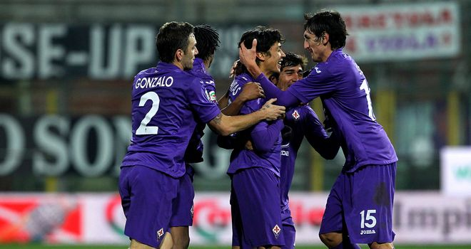 Mati Fernandez and Fiorentina celebrate their late equaliser