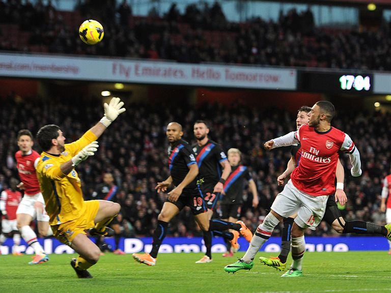 Oxlade Chamberlain breaks the deadlock with this finish