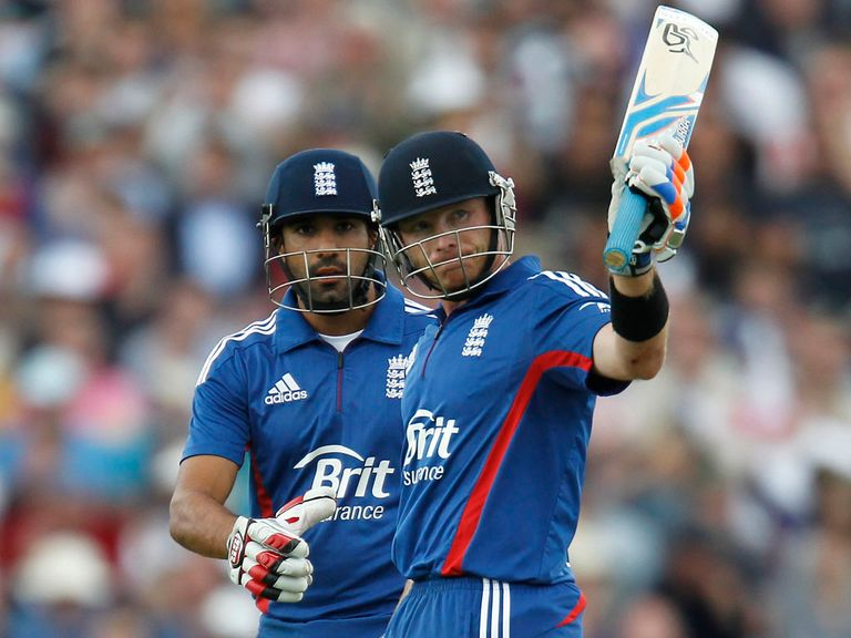 Bopara (l) and Bell: IPL possibles