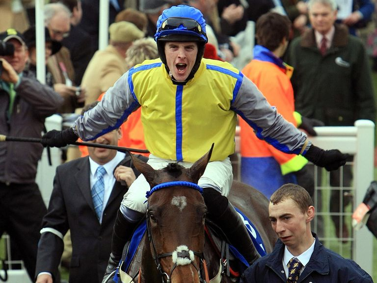 Jason Maguire returns in triumph at Cheltenham aboard Peddlers Cross
