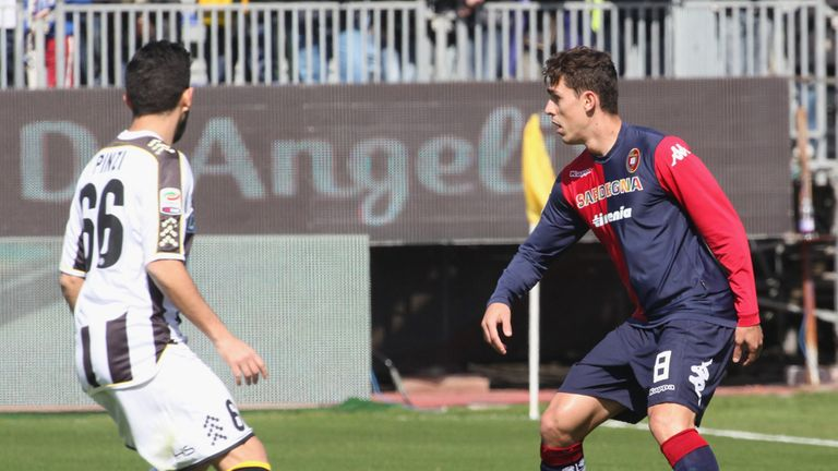 Avelar in action for Cagliari