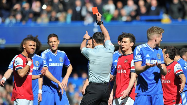 Kieran Gibbs is sent off against Chelsea