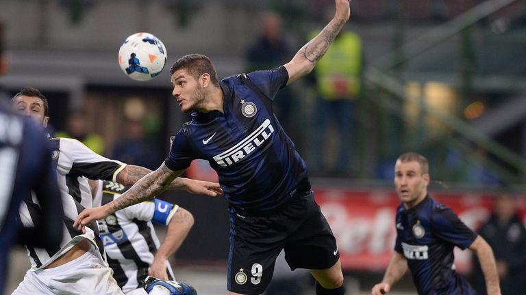 Mauro Icardi of Inter wins a header