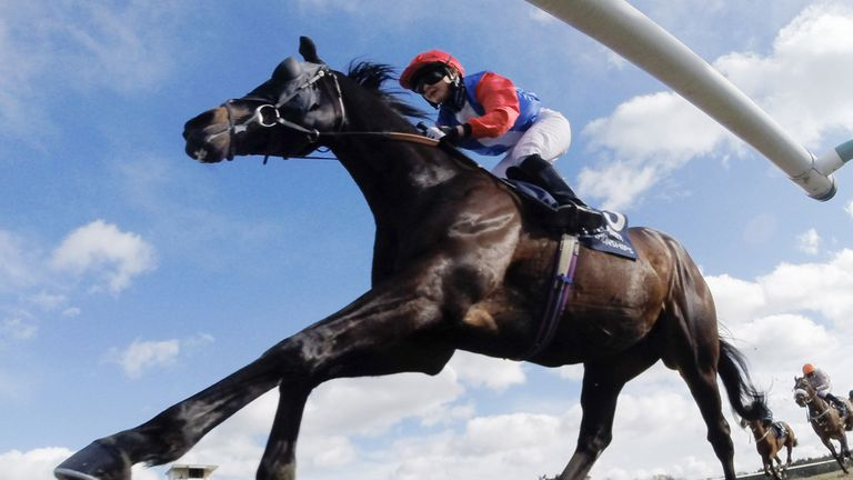 All-weather action at Lingfield