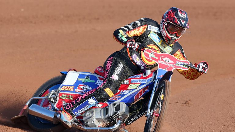 Simon Lambert has signed up for King's Lynn as their number eight