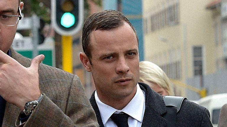 Pistorius arrives at court in Pretoria