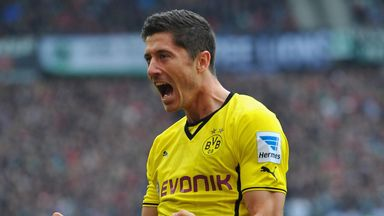 Robert Lewandowski: Met with Florentino Perez, but will join Bayern Munich this summer