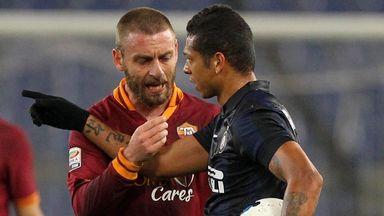 Daniele De Rossi (l): Dropped from Prandelli's Italy squad