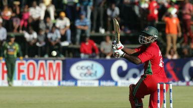 Elton Chigumbura: Zimbabwe all-rounder hit unbeaten half century in win