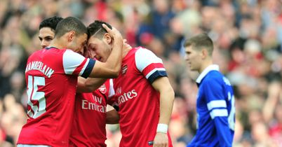 Arsenal too strong for Everton