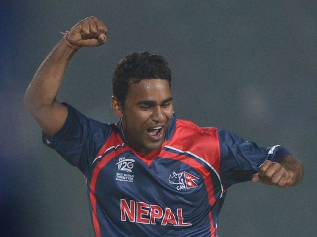 Jitendra Mukhiya: Took three wickets