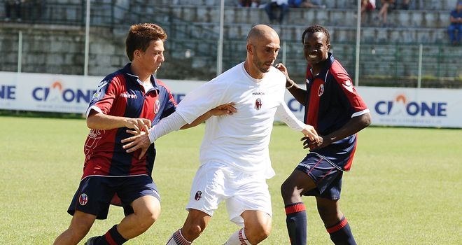 Marco Di Vaio in action for Bologna