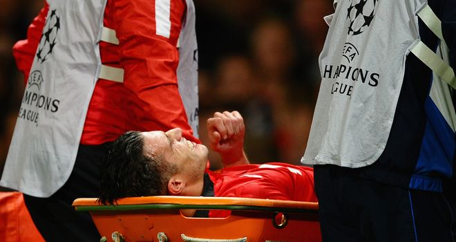 Robin van Persie: Manchester United striker could be out for six weeks