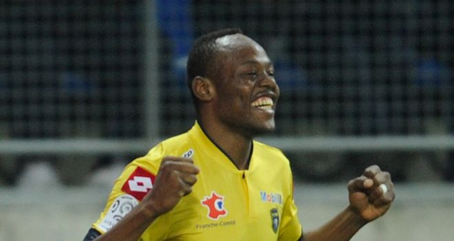 Stoppila Sunzu celebrates for Sochaux