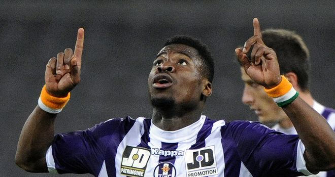 Toulouse's French defender Serge Aurier celebrates