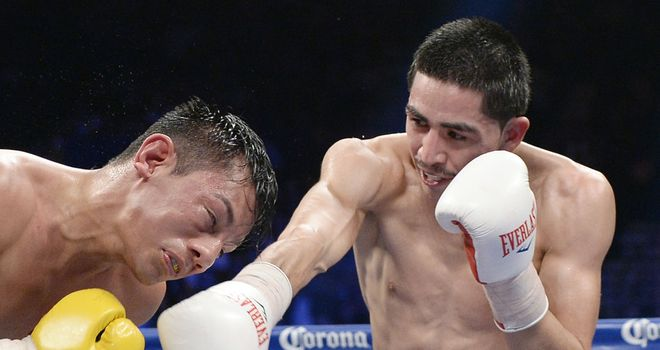 Leo Santa Cruz: Puts the heat on Cristian Mijares