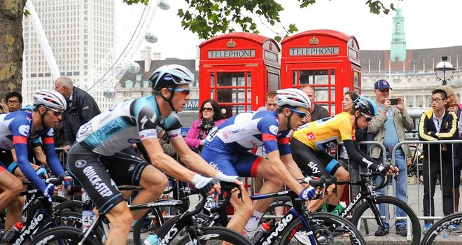 Sir Bradley Wiggins, in the gold jersey, won the 2013 race