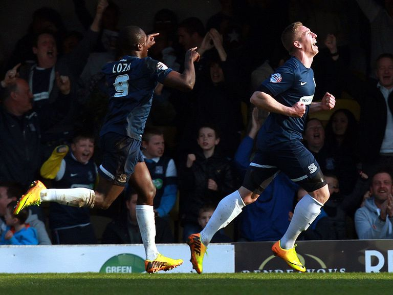 Freddy Eastwood celebrates for Southend