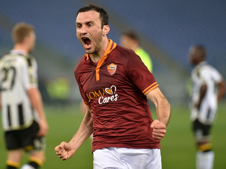 Roma's Greek defender Vasilis Torosidis celebrates
