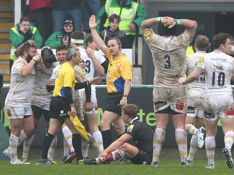Worcester celebrate  Josh Drauniniu's match-winning try