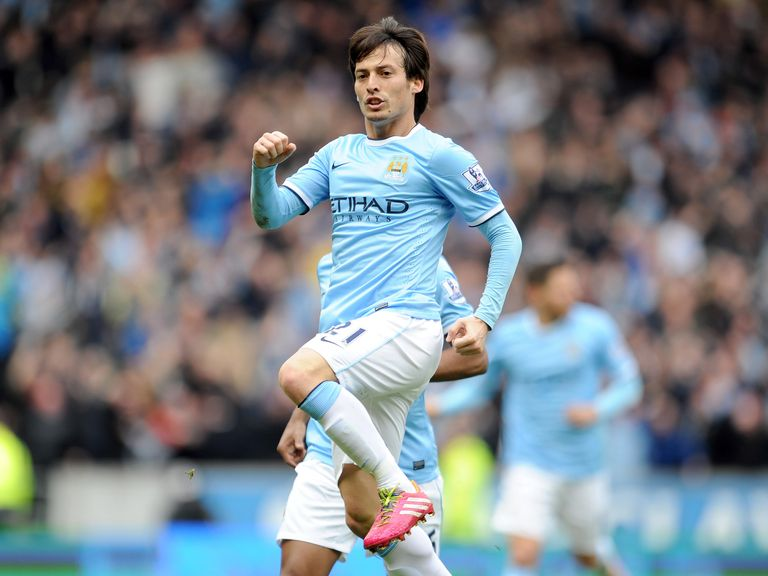 David Silva fired Man City back to the head of the betting
