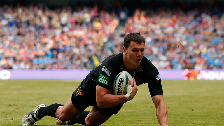 Brett Ferres: Huddersfield Giants reject offer for England international